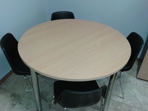 tavolo per riunione rotondo in faggio progetto arredo